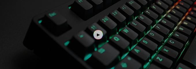 灯光颜色调节通过组合fn f1(r)/f2(g)/f3(b)三个功能快捷键来配比灯光